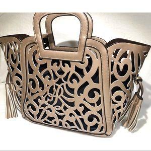Bags - SALE 🎉 Gold Bag